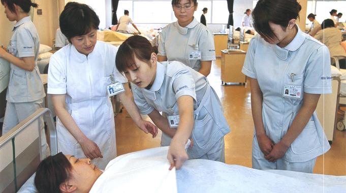 Nhiều Cơ sở Y tế tại Nhật đang thiếu hụt Điều dưỡng viên trầm trọng